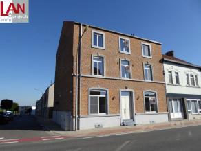 Uniek duplex-appartement in kleinschalig project met 4 appartementen te Landen. Inkomhall, toilette, badkamer met inloopdouche en lavabo, 2 slaapkamer