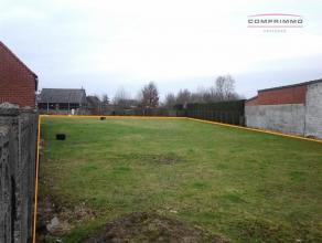 || DOE UW BOD || Perceel grond van bijna 1100m² dichtbij het centrum van Wortegem met een mogelijkheid tot het bouwen van een ruime halfopen bebo