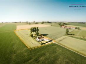    NIEUWE VOORWAARDEN    Uitzonderlijk gelegen eigendom op ±6750m2 grond, werkelijk genieten in alle privacy van het open landschap met prachti