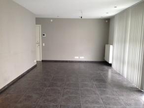 In het centrum van Lovendegem staat Residentie Gianni. In dit complex is er één gelijkvloers appartement te huur met 2 slaapkamers (aan