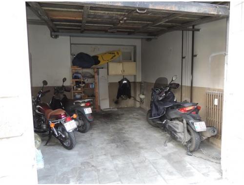 Garage louer saint gilles 200 fsyh4 macnash sud for Garage professionnel a louer