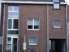 Instapklaar recent appartement voorzien van alle modern comfort, met bus halte vlak voor de deur. Iest voor snelle beslissers Onmiddellijk vrij. algem