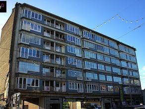 Op te frissen APPARTEMENT 85m² op de zesde verdieping - lift in het gebouw! Op wandelafstand van winkels, scholen, openbaar vervoer, het Ledeberg