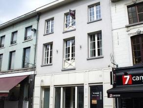 Duplex appartement met 2 slaapkamers en terras in het centrum van Aalst DUPLEX APPARTEMENT met 2 slaapkamers en terras in het hartje van Aalst. Energi