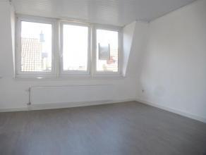 Dit 1 slaapkamer appartement is zeker een bezoek waard! Het appartement werd net volledig gerenoveerd en is voorzien van alle comfort. Verbruik op eig