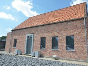 In het centrum van Wingene vindt u deze wind-en waterdichte open bebouwing met 3à4 slpk, polyvalente ruimte van60m2 (ideaal voor praktijk/kanto
