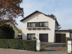 Deze karaktervolle woning is gelegen langs de Wilderenlaan ter hoogte van nummer 111.  De goede verbinding van Sint-Truiden naar Tienen en de vele gr