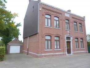PASTORIJWONING OP EEN PERCEEL VAN CIRCA 10ARE!<br /> <br /> Deze woning omvat: <br /> Een kelderverdieping (62,70 m²), <br /> Het gelijkvloers (1