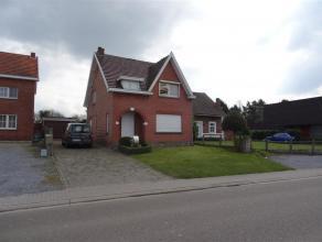 Halmaal-Dorp nummer 54, dit is de thuisbasis voor deze charmante woning dewelke zich situeert vlakbij het gezellige stadscentrum met tal van winkels e