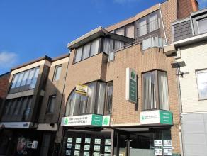 RUIM APPARTEMENT PAL IN HET CENTRUM MET LIFT!<br /> <br /> In het centrum van Sint-Truiden treffen we in Residentie Speelvogel dit knap appartement op