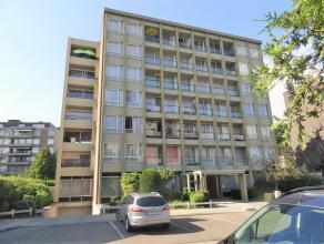 """In de Festraetstraat ter hoogte van nummer 35 vinden we in Residentie """"Van Eyck"""" dit gezellige appartement terug. Het bevindt zich op de eerste verdie"""