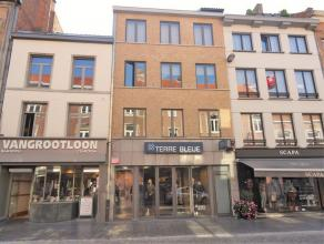 De Luikerstraat is één van de leuke winkelstraten van het stadscentrum van Sint-Truiden, hier vinden we ter hoogte van nummer 29 dit app