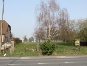 BOUWGROND OP GOEDE LOCATIE - 12ARE - RESIDENTIËLE OMGEVING  Dit perceel, gelegen op de steenweg Sint-Truiden - Hasselt biedt tal van mogelijkhe
