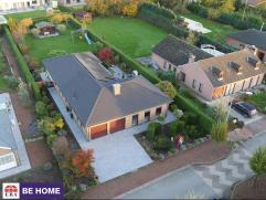 Surprenante propriété idéalement située à deux pas du bois de la houssières dans un lotissement prestigieux.
