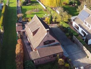 Charmante villa située à deux pas du bois de la Houssière dans un environnement calme et verdoyant avec vue sur champ. La maison