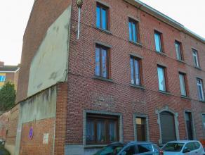 Spacieuse maison Idéalement située en plein centre dans un quartier calme. Proximité immédiate des écoles, commerce