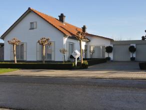 Deze uitstekend gelegen villa werd gebouwd in 1978 en gerenoveerd in 2002. De woning werd zeer goed onderhouden en is in uitstekende staat. De woning