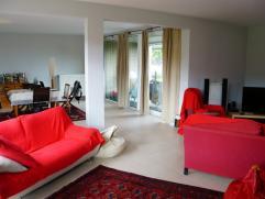 Prachtig appartement met 3 slpk, terras, tuin & garage Nabij de Europese school van Woluwe. Prachtig gelijkvloers appartement in een gebouw van 20
