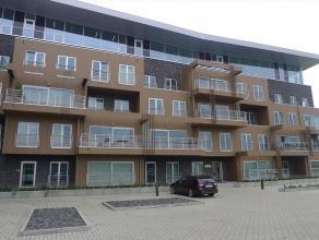 Prachtig, geschilderd nieuwbouwapp. nabij centrum Merelbeke Uniek nieuwbouwcomplex nabij centrum Merelbeke en diverse invalswegen (R4/E40/E17). Goede