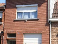 Woning gelegen Zillebeek 74 te Beveren in goede staat, enkele renovatiewerken zijn nodig wil men het comfort verbeteren o.a. elektriciteit en verfraai