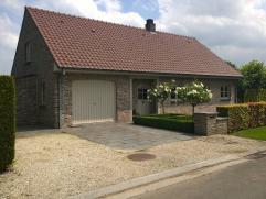 Mooie recente villa te koop. In 2004 werd de bovenverdieping grondig vernieuwd en in 2012 de benedenverdieping. Zeer verzorgde tuin, zongericht terras