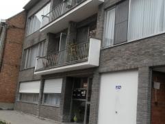 ppartement op de 1ste of 2de verdieping, omvattende 3 slaapkamers (18m²,11m²,8.5m²), hal,ruime living(35m²), keuken (13m²), b