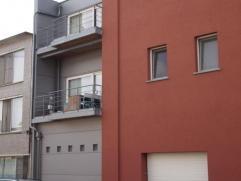 Residentie Den bezem. Gerenoveerd bezemfabriekje.Mooi, ruim appartement met 2 slaapkamers, aparte keuken, ruime living, ingemaakte kasten in hal, grot