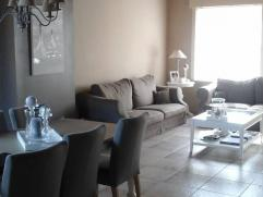 Heel ruime lichte alleenstaande woning in hartje Rumbeke  Met een ruime woonkamer (45 vierkante meter) keuken (25 vierkante meter) droge kelder, 4 sla