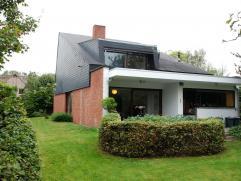 Vrijstaand huis op ruim perceel  Vrijstaand huis op ruim perceel. 210 m2 woonruimte (excl. inpandige garage, zolder en kelder) op 9,99 are (grofweg 20