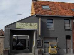 Handelshuis te koop – Ichtegem Vrij beroep  Woonst: Ruime living met afgesloten inkomst - 38m2 Grote keuken met ingebouwde toestellen en opberg/