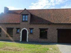 Prachtig gelegen, instapklare villa in Rijmenam  Landelijk gelegen villa die grenst aan natuurgebied. Het huis bevindt zich in een rustige straat (en