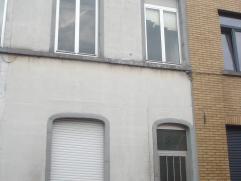 we verhuren ons volledig gerenoveerd woning te zonder-naamstraat 20, 9000 Gent: geisoleerd, CV met condensatie ketel , ingericht keuken, badkamer, nie