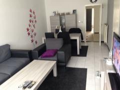 Appartement met garage te huur in het centrum van Diest . Alles wat je nodig hebt is onder de voeten bv; scholen, winkels, bank, bakkers,.. Dus alles