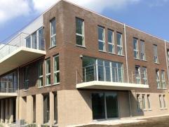 Nieuwbouw: ruim 2-slpk. app. Turnhout groot west terras  Nieuw ruim 2-slaapkamer appartement op de tweede verdieping met terras op het westen.  Bijhor
