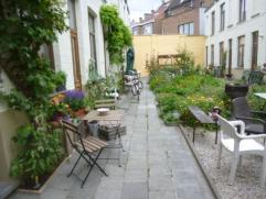 gerenoveerd citéhuisje komt 1 januari 2015 vrij. zonnig en groen, oase van rust midden in de stad. GV eetruimte, keuken, z kleine badkamer met nieuwe
