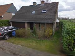 Woning te koop - 3 slaapkamers - vrij vanaf januari 2015   Zeer rustig en residentieel gelegen open bebouwing gebouwd in 1989 en is goed onderhouden e