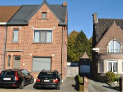 HOB met 4 slaapkamers (mogelijk 5). Deze woning bestaat uit: inkomhal, leefruimte met pelletkachel en zicht op terras en tuin, keuken met toestellen,