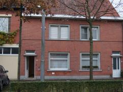 Recent volledig gerenoveerde HOB, gelegen nabij het centrum van Lovendegem en op slechts 10 minuten van Gent of Eeklo (bovendien makkelijk bereikbaar