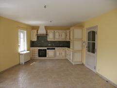 Appartement de 90 m², avec ascenseur, vidéophonie, 2 ou 3 chambres, living, cuisine entièrement équipée, salon/bureau, salle de bain, wc, buanderie, v