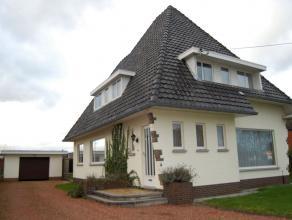 Woning in goede staat met ruime, goed onderhouden tuin en deels overdekt terras.   3 slaapkamers, 2 bergingen en bureauruimte.   Centrale verwarming o