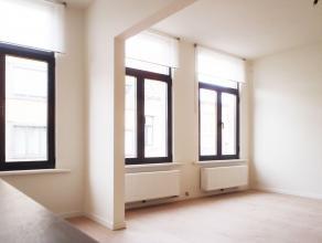 Volledig gerenoveerd appartement op een toplocatie (vlakbij Park Spoor Noord); u bent de eerste bewoner! Volledig uitgeruste keuken met inbouwtoestell