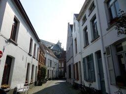 rustig gelegen woning met gemeenschappelijke tuin van 70m² in het Groot begijnhof centrum Mechelen