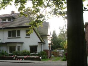 Charmante ruime villa gelegen tegenover 'Veltwijckpark', nabij diverse scholen, centrum Ekeren, openbaar vervoer (bus/trein), Antwerpse ring en natuur