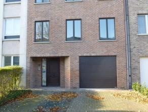 Goed geïsoleerde ruime woning in rustige en goed bereikbare woonwijk voorzien van hedendaags comfort, incl. hoogrendementsketel. en muren zijn voor be