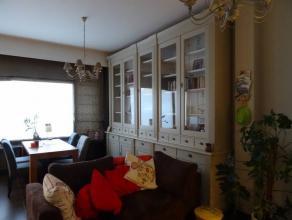 - woonkamer/keuken (inclusief koelkast, vaatwasser en grote kast in de woonkamer) - badkamer  - slaapkamer - extra kamer met ingebouwde kasten  - huur