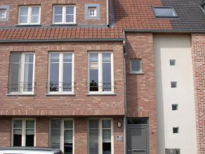 Nieuw appartement (75 m²) in het centrum van Arendonk met 2 slaapkamers, terras en ondergrondse garageplaats. Lift is aanwezig. Indeling: inkomhal, ap