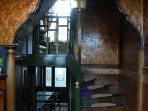 Voor dit stijlvol gemeubeld huisje uit 1907 werd ontworpen door Architect Dutoit (De Coene meubelen), zoeken we een bewoner met een romantische ziel d