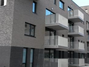 Prachtig nieuwbouwappartement te huur linkeroever Antwerpen. Pas geschilderd, instapklaar. 4 tramlijnen brengen u op 4 min naar het centrum van de sta