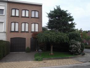 Mooie halfopen bel-étage woning met prachtige zuid tuin te Hoevenen; zeer lage EPC (215 kWh/m²jaar) en nieuw geïsoleerd dak (september 2015); rustig g