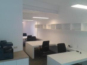 flexplaatsen of buroplekken te huur; 200.00€/maand<br /> wij bieden vijf flexibele werkplekken in een grote sfeervolle ruimte. Elke werkplek is voorzi